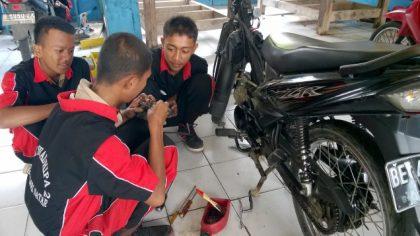 Praktek Tune Up Sepeda Motor