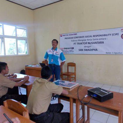 Sosialisasi Traknus Mengajar PT. Traktor Nusantara SMK Swadhipa 2 Natar